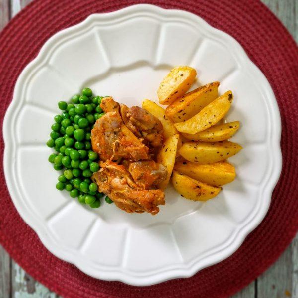 lefit pratos saudaveis sobrecoxa com batata assada e ervilha